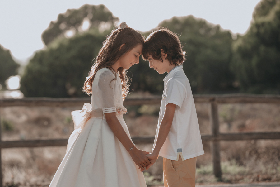 niña de comuniones santa pola con su hermano
